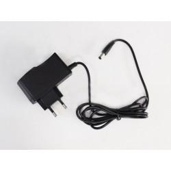 LED zdroj 12V 12W zásuvkový černý, bílý