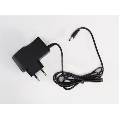 LED zdroj 12V 12W zásuvkový