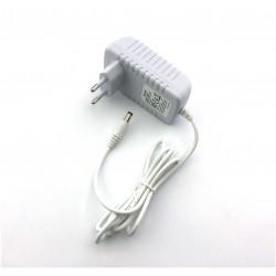 LED zdroj 12V 24W zásuvkový bílý